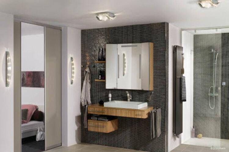 idée de conception de petite salle de bain design